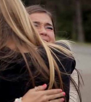 skype-stay-together-ad-two-girls-hugging